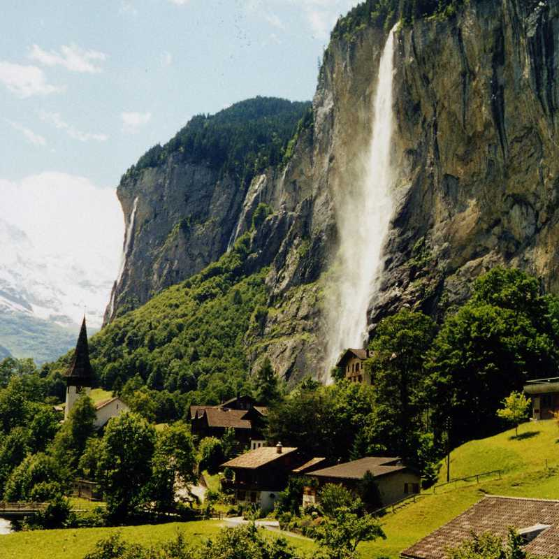 Trip Blog Post by @rodney_n: Interlaken 2000 | 1 day in Jul (itinerary, map & gallery)