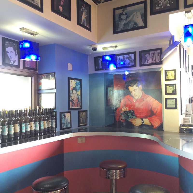 Elvis American Cafe