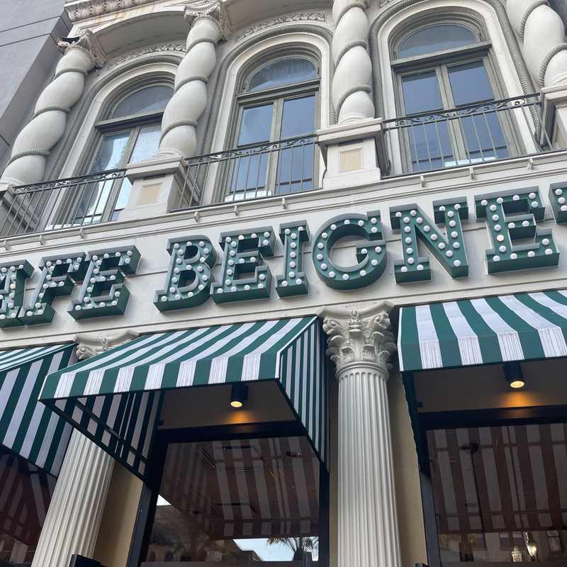 Cafe Beignet, Canal St.