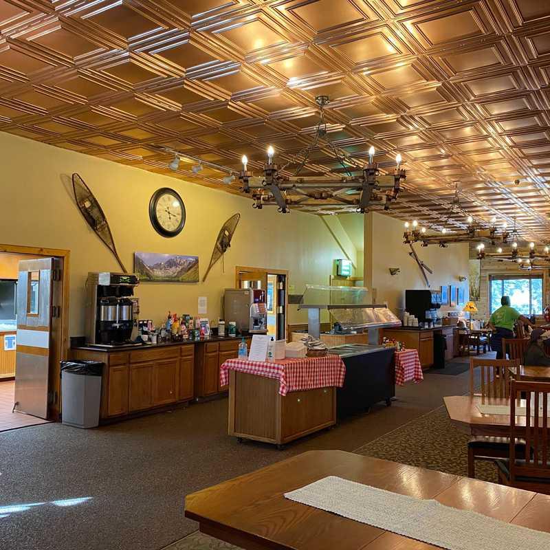 Montecito Sequoia Lodge