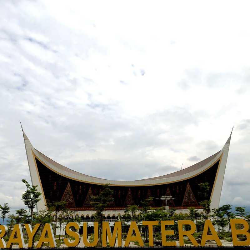 Menara Masjid Raya Sumatera Barat