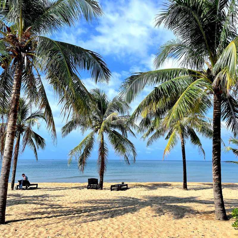 Sonaga Beach Resort & Villa