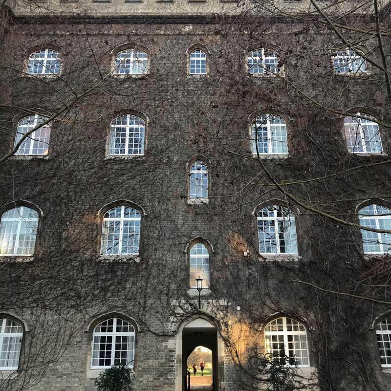 Saint John's College School - Byron House