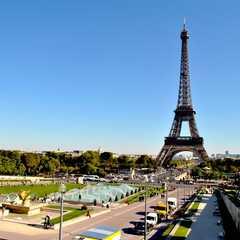 Eiffel Tower / La Tour Eiffel
