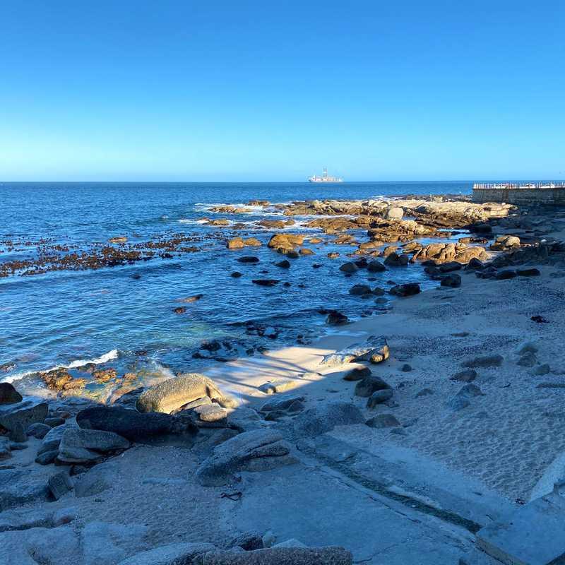 Saunders' Rocks Beach