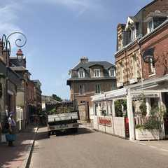 Veules-les-Roses | POPULAR Trips, Photos, Ratings & Practical Information