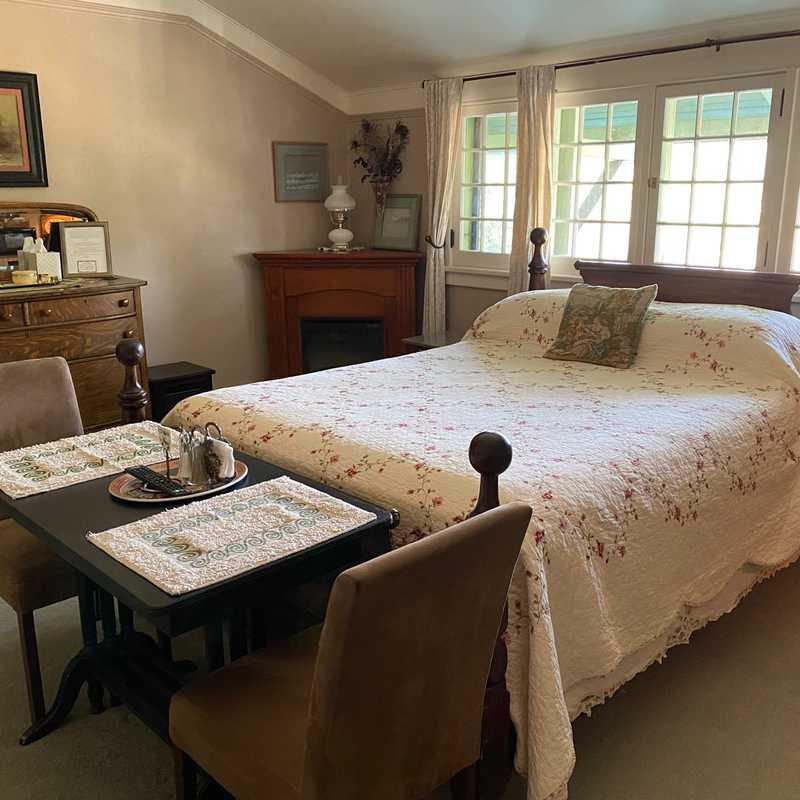 Dannyann's Bed & Breakfast