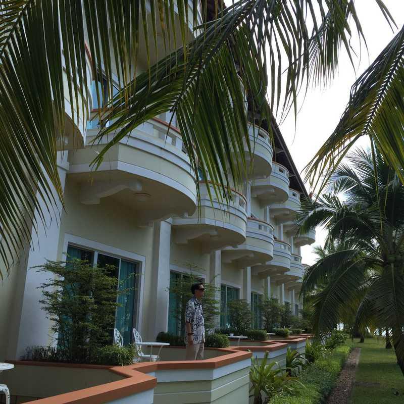 白沙皇宮 White Sand Palace Hotel