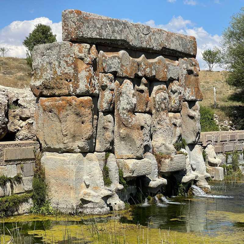 Eflatun Pınar Hitit Anıtı