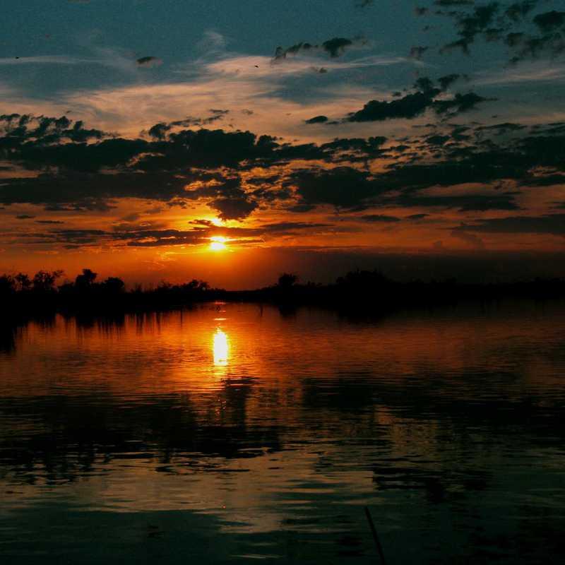 Vumbura Sunset Boating