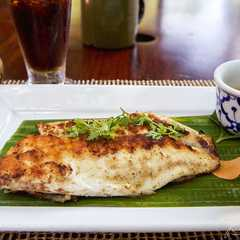 Ping Paa (Pan-fried Mekong fish with Pineapple sauce)