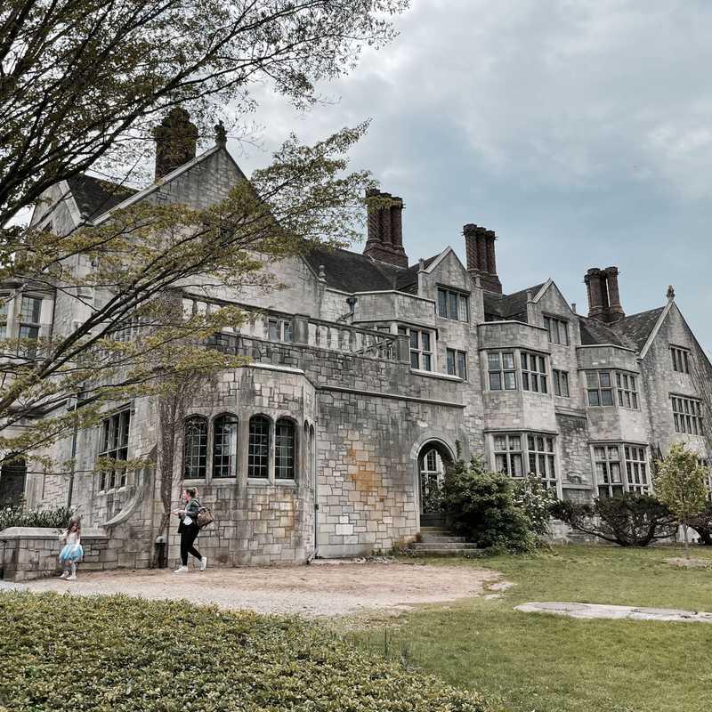 Coe Hall Historic House Museum