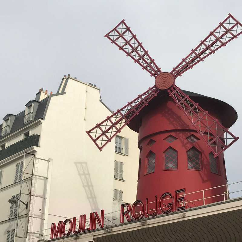 Montmartre  Tour Part I - Moulin Rouge
