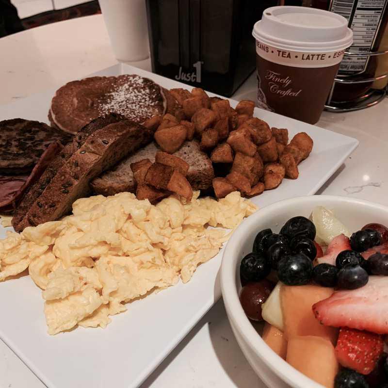 Breakfast @ Burgers & Hops