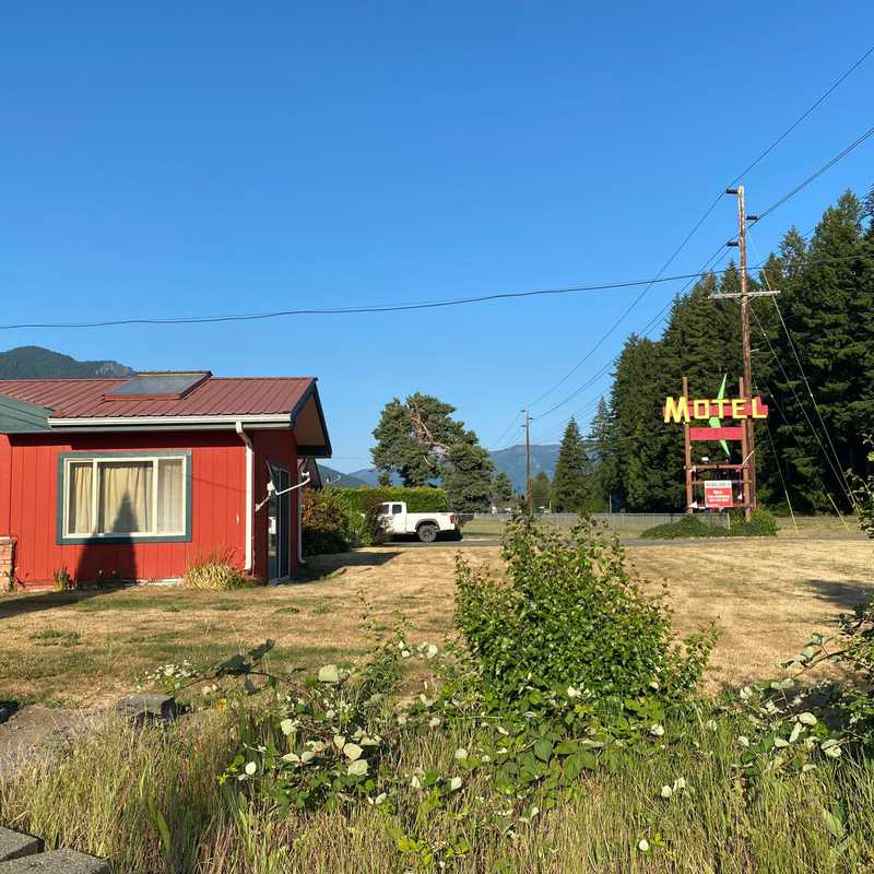 Tall Timber Restaurant Lounge