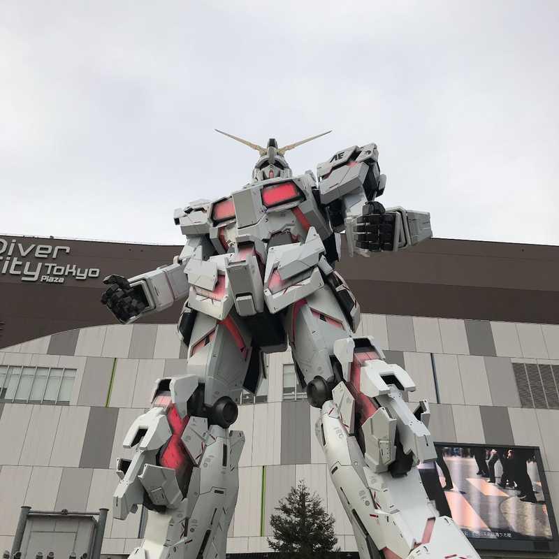 Unicorn Gundam Statue