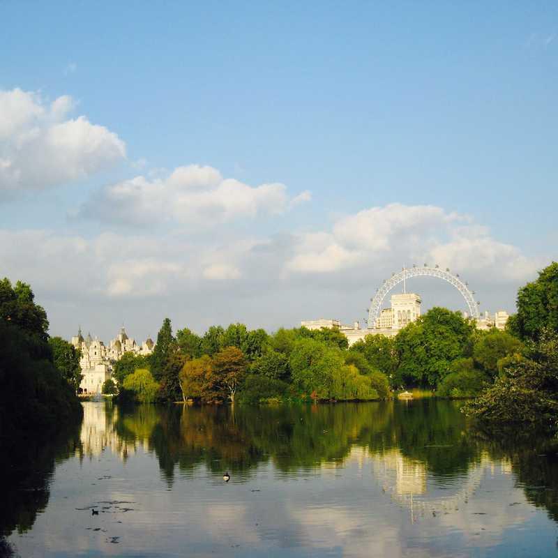Place / Tourist Attraction: St James's Park (London, United Kingdom)