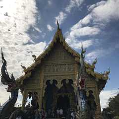 Blue Temple Chiang Rai / Wat Rong Suea Ten (วัดร่องเสือเต้น) - Photos by Real Travelers, Ratings, and Other Practical Information