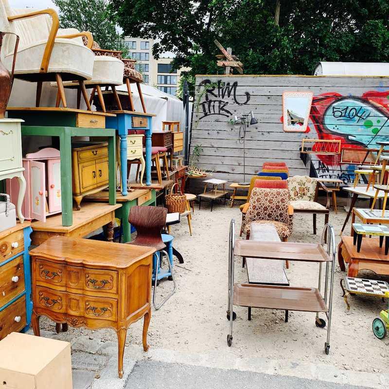 Mauerpark Flea Market & Karaoke