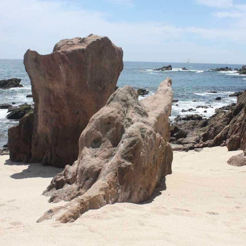 Infiniti Pool & Beach