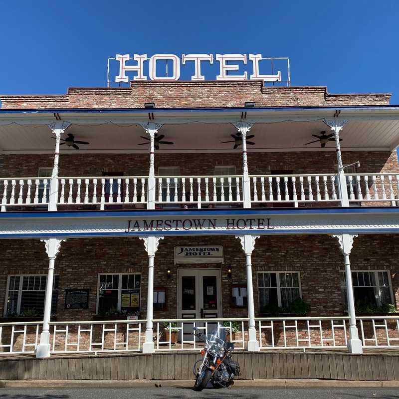 Jamestown Hotel and Restaurant