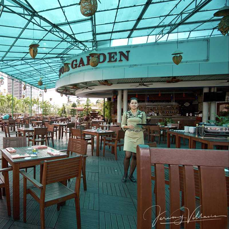 Rex Hotel Garden Bar