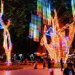 Ayala Triangle Gardens | Travel Photos, Ratings & Other Practical Information