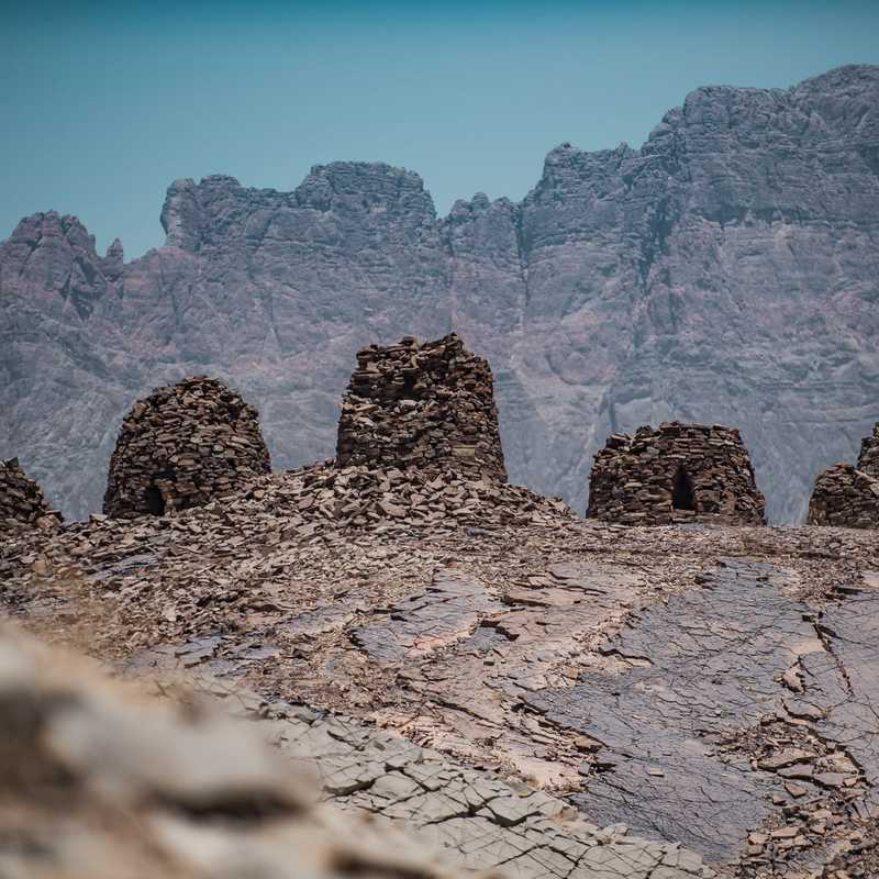 JEBEL MISHT & THE BEEHIVE TOMBS🐝 🇴🇲 | 1 day trip itinerary, map & gallery