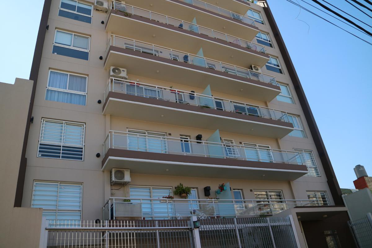 Venta Departamento  2 ambientes Moron Sur