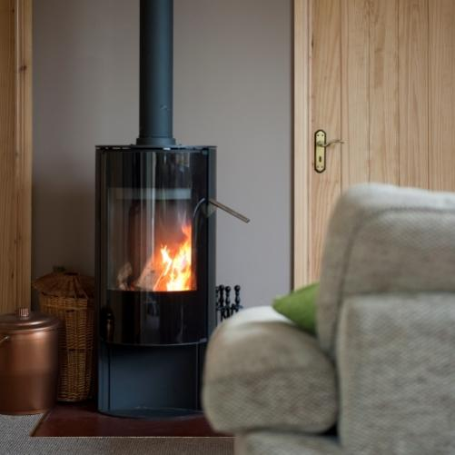 Lake View is a gorgeous 2-bedroom holiday cottage set on the first floor of a newly built barn.