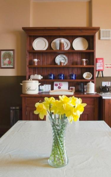 A lovely spot to dine in whatever the time of day, the kitchen in Blackhead Lightkeepers House 1 brings back a cosy feeling of yesteryear