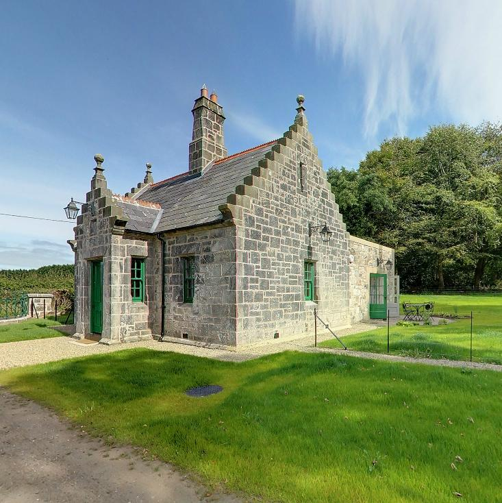Magherintemple Gate Lodge is a classic chocolate box holiday cottage set in a historic gate lodge near Ballycastle.