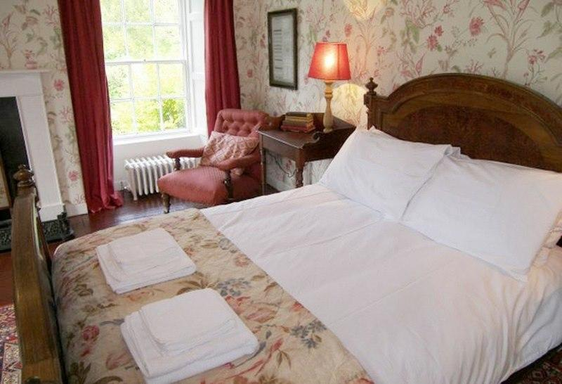Another of the lovely period style double rooms.  A beautiful room to have a lazy morning in bed.