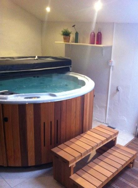 Hot-tub time!  The perfect way to end your spa session!