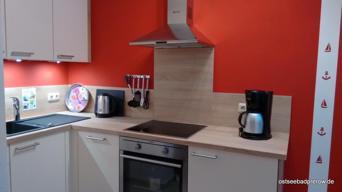 Küchenzeile mit Induktionskochfeld