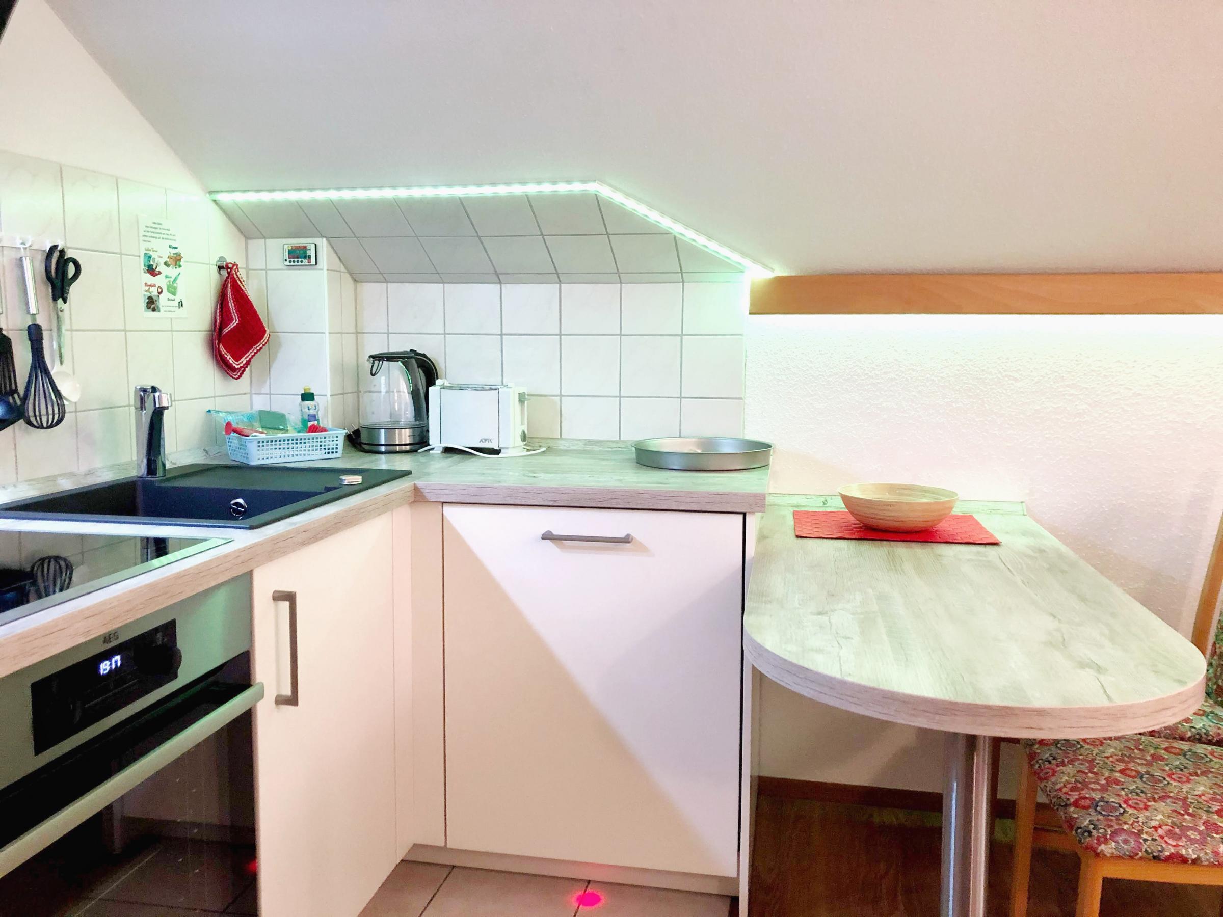 Küchenzeile mit Sitzbereich