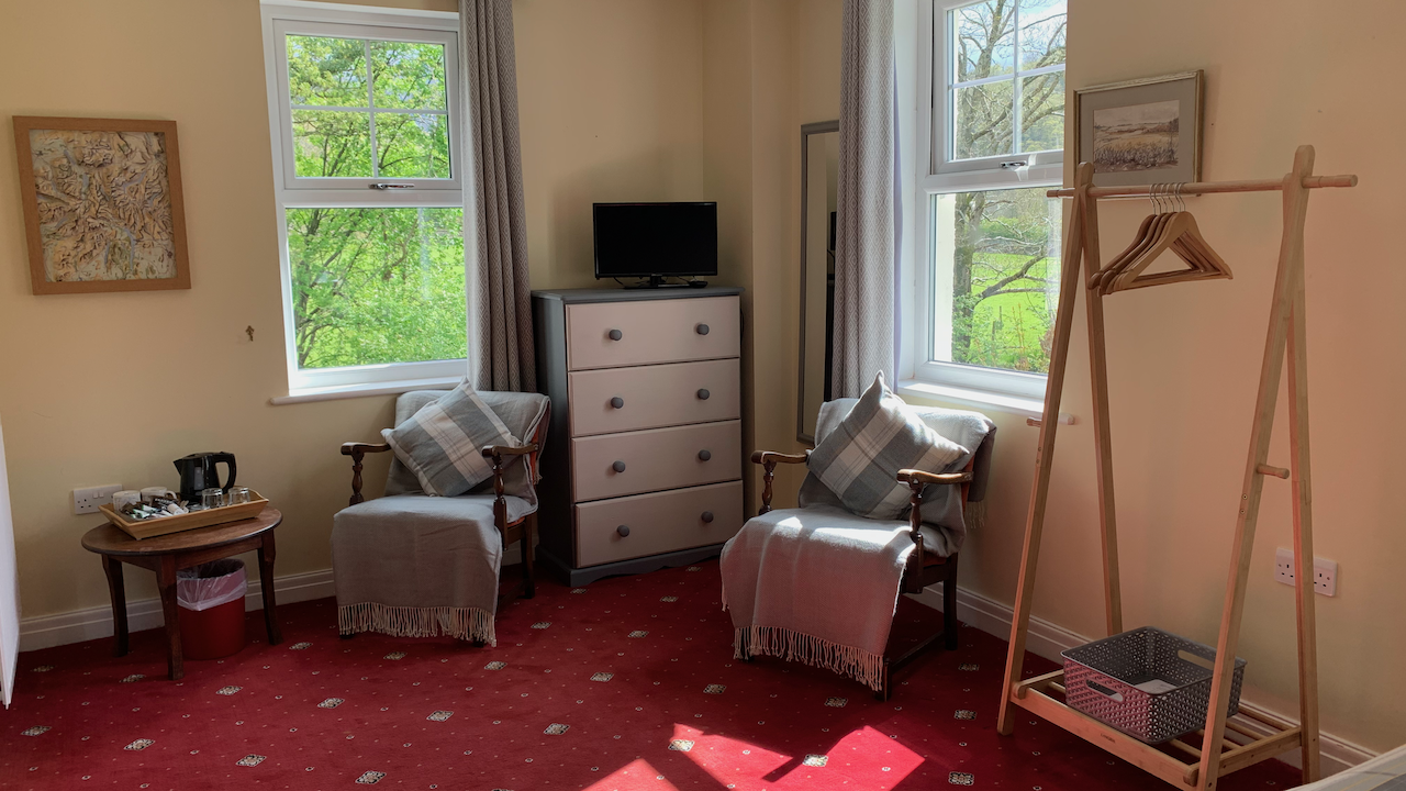 Easy chairs, refreshments and TV - relaxation
