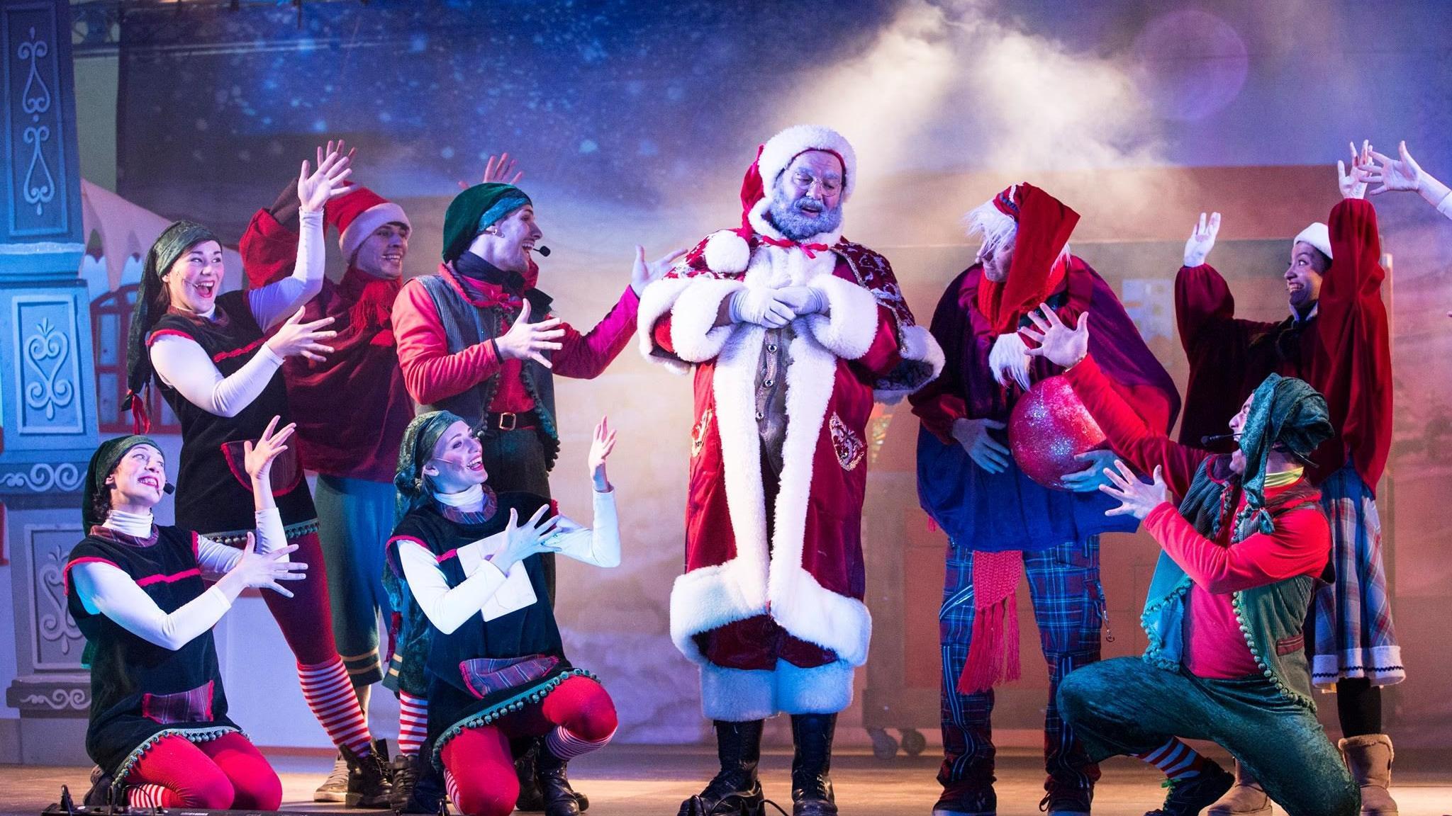 Lo show di Natale, con l'arrivo di Babbo Natale
