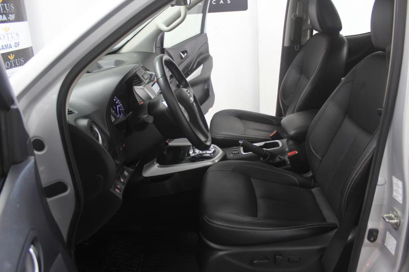 NISSAN FRONTIER LE AT 4X4