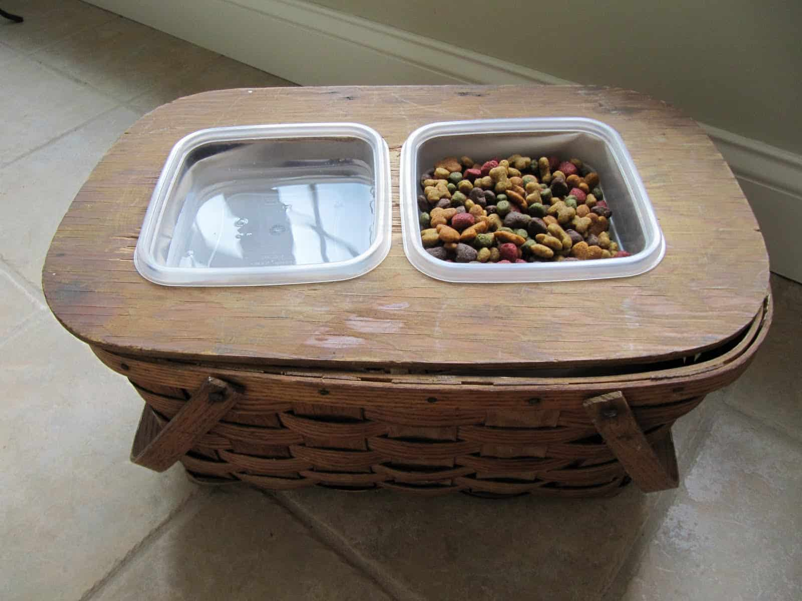 17 Amazing Diy Dog Feeding Stations And Storage Playbarkrun