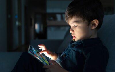 Existe idade para ter redes sociais?