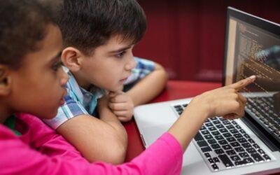 Perigos virtuais: quais são e como manter seu filho seguro?