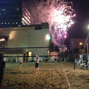 7/2 - Fireworks + Beach Volleyball Drop-in