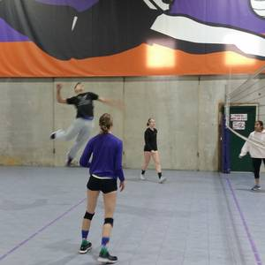 Session 6 '19 - Denver Thurs Intermediate/Advanced Volleyball Coed 4's