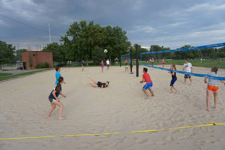 Session 4 '20 - Monaco Park Thursday Intermediate Volleyball Coed 4's