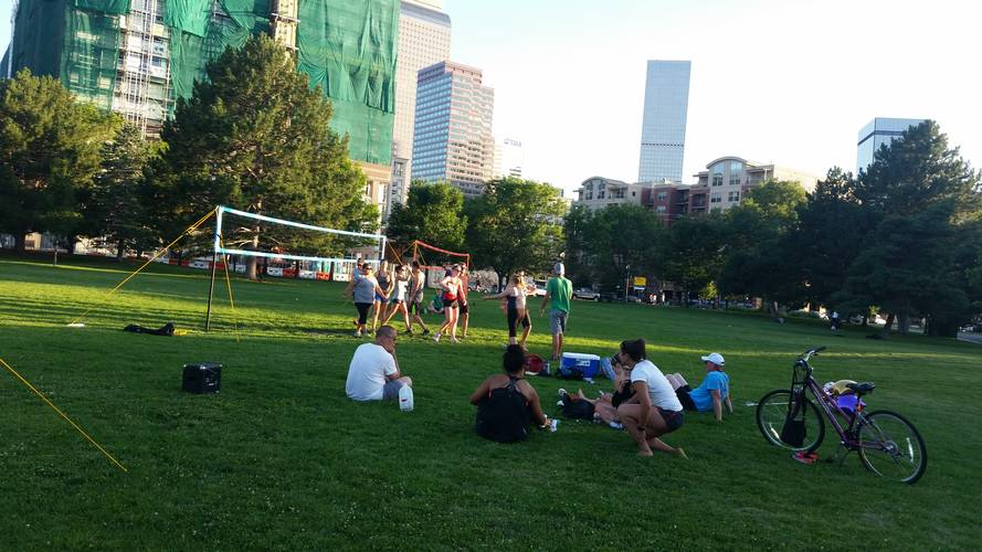 Session 2 '18 - Wednesday Downtown Double Header Grass Volleyball League