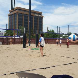 Session 4 '18 - Sunday Sand Coed 4's Volleyball League at Dive