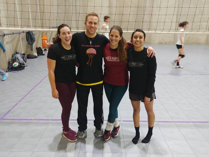 Session 4 '20 - Thursday Recreational Coed 6's Volleyball