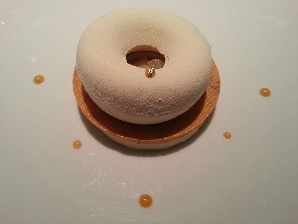Un macaron citron est parfait avec le vin rosé de Jules (Gérard from France)