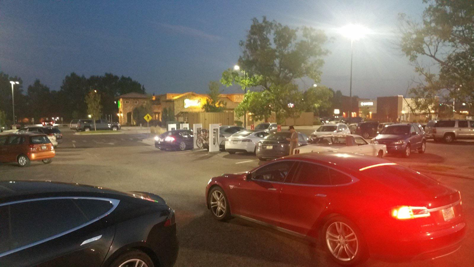 Cheyenne Supercharger - Free DC Fast Electric Car Charging - 140 ...